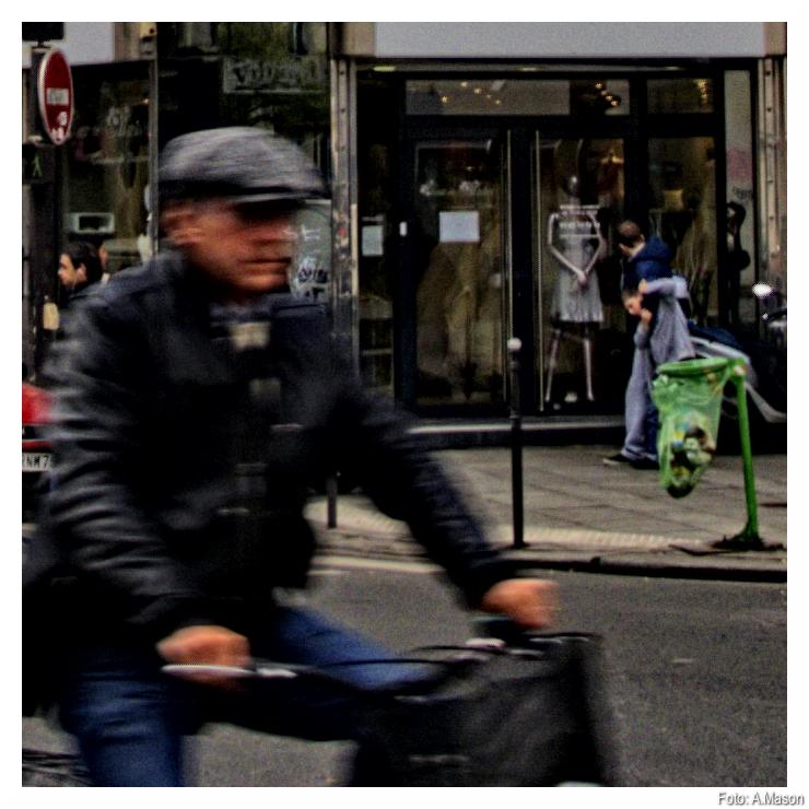 Wycinek z paryskiego rowerzysty