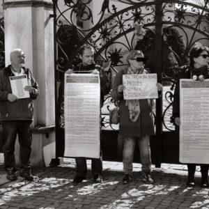 Protest przeciwko pedofilii w kościele (1)