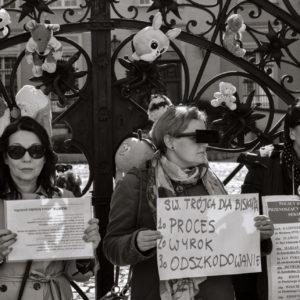 Protest przeciwko pedofilii w kościele (3)