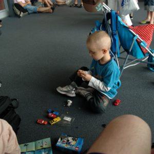 Opóźnienie odlotu – dzieciakom nie przeszkadzalo