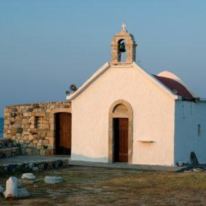 Hersonissos – kościółek na cypelku