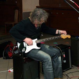 Strojenie gitary przez Kazimierza Pabiasza