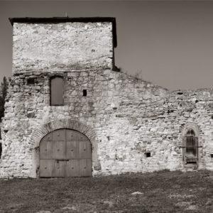 Brama w murze