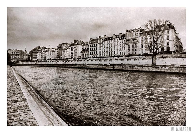 Paryż nadSekwaną