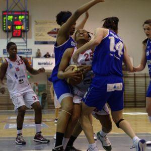 Odra Brzeg – INEA AZS Poznań (18) – Aysha Jones vs. Chinyere Ukoh i Agnieszka Makowska