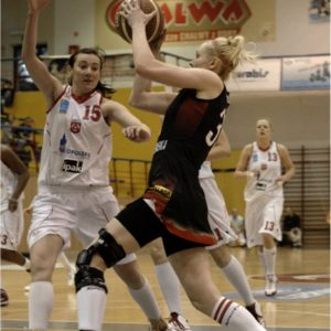 Odra Brzeg – Widzew Łódź (7) – Eliza Gołumbiewska vs. Ewelina Buszta