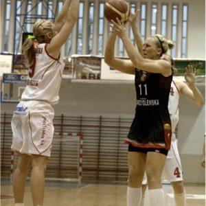 Odra Brzeg – Widzew Łódź (9) – Kamila Polit vs. Magdalena Gawrońska i Natalia Tajerle