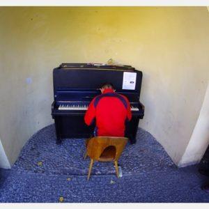 Obskoczony pianista