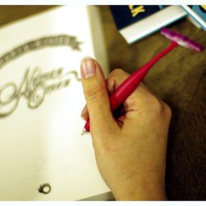 """Autografowanie z """"płetewką"""""""